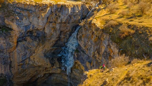 Frozen gollorio waterfall 2