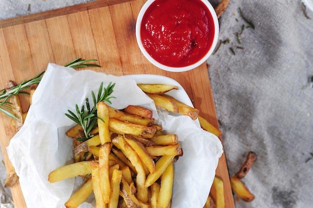 Frytki i keczup