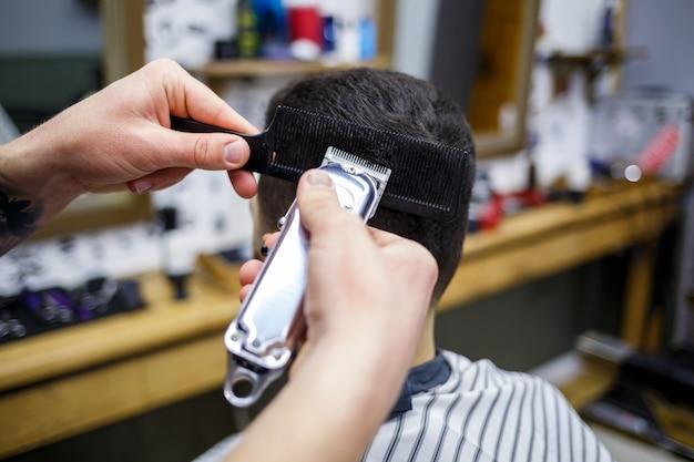Fryzjer męski fryzjer, maszynka do strzyżenia, fryzjer mężczyzna, fryzura