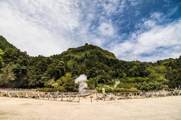 Fumarolas da lagoa das furnas, gorące źródła, wyspa sao miguel, azory, portugalia