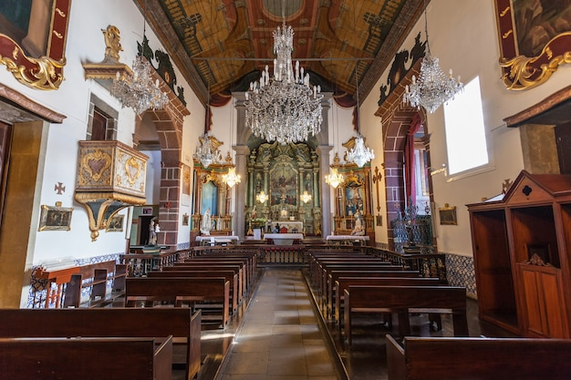 Funchal, madera - 04 lipca: wewnątrz katedry matki bożej z góry w dniu 04 lipca 2014 r. na maderze, portugalia.