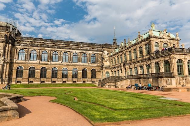Galeria i muzea dawnych mistrzów, dresdner zwinger