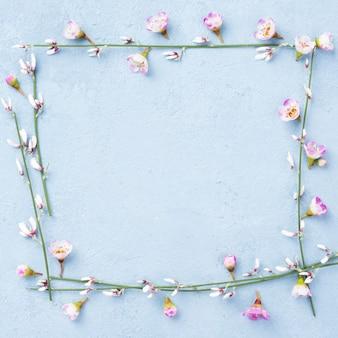 Gałęzie wiosennych kwiatów