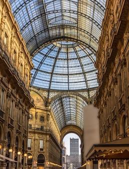 Galleria vittorio emanuele ii w mediolanie