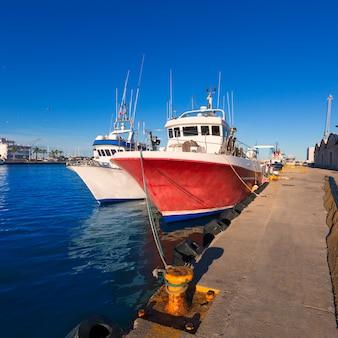 Gandia port puerto valencia w śródziemnomorskiej hiszpanii