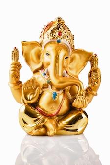 Ganesha statua na bielu