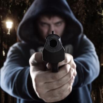 Gangster z pistoletem