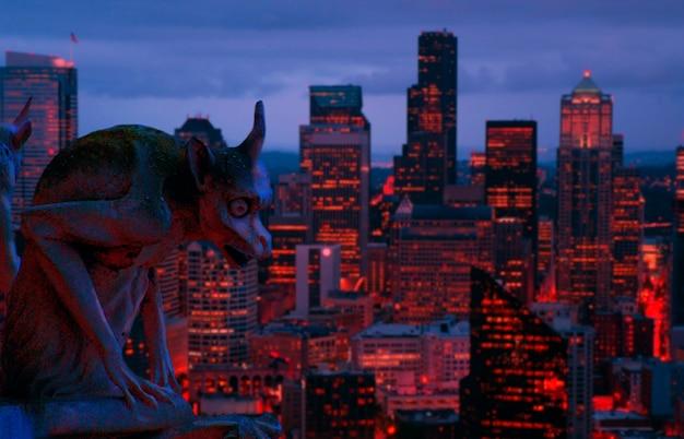 Gargoyle w nocy