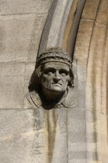 Gargulec, posąg