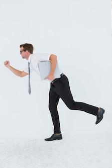 Geeky biznesmen spóźniony