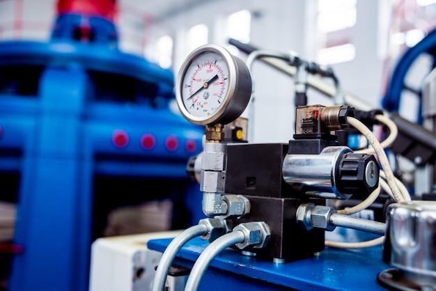 Generatory turbinowe, maszyny i rury