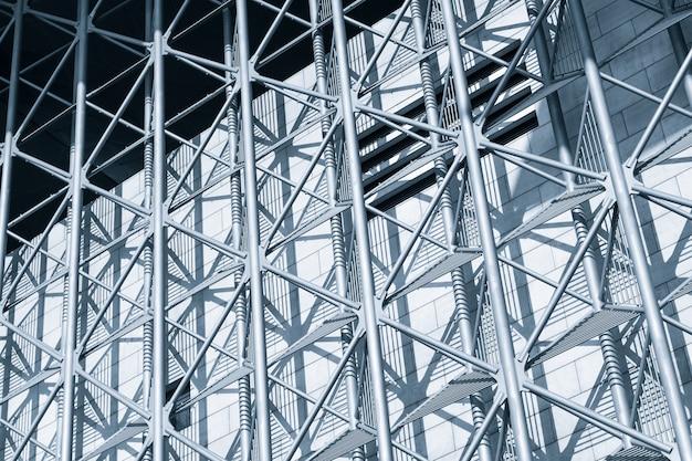 Geometryczna fasada budynku