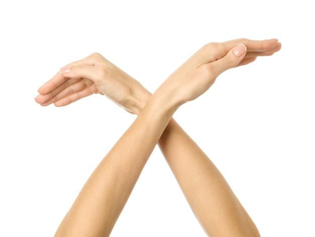 Gest dłoni ptaka. kobiety ręki gestykulować odizolowywam na bielu