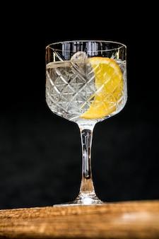Gin i tonic z orange