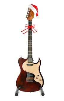 Gitara z dekoracją, na białym tle