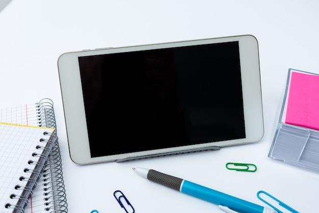 Głosowe rozmowy wideo ze smartfona, połączenia dalekiego zasięgu, gadżet komunikacyjny łączący ludzi, komunikacja biurowa, sprzęt przenośny telefon komórkowy, przetwarzanie danych