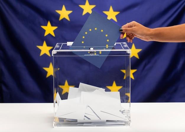 Głosuj biuletyn na tle unii europejskiej