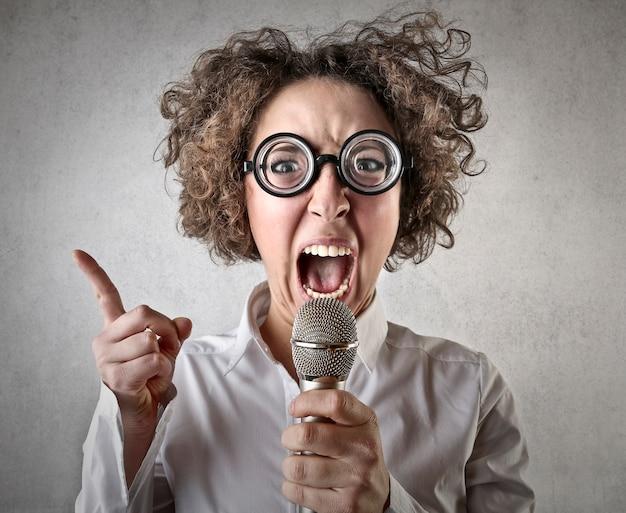 Głoszenie gniewnej kobiety
