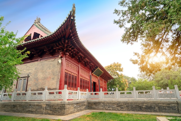 Główna sala świątyni zhougong ma ponad 400-letnią historię, luoyang, chiny.