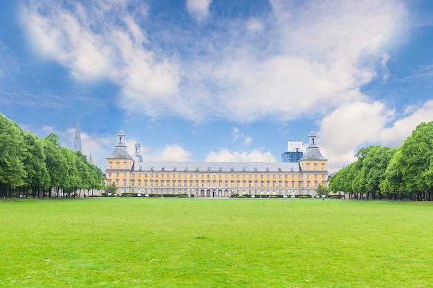 Główny budynek uniwersytetu w bonn, niemcy