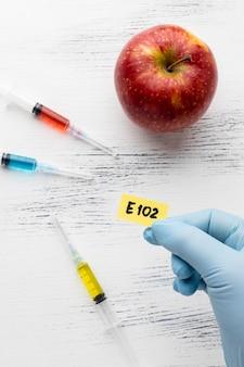 Gmo czerwone jabłko modyfikowane chemicznie