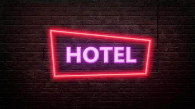 Godło znak hotelu w stylu neonowym na tle ściany z cegły
