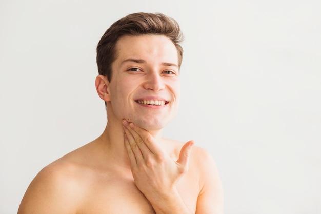 Golenia pojęcie z atrakcyjnym młodym człowiekiem