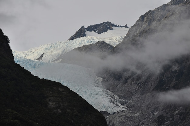 Góra franz josef glacier w nowej zelandii