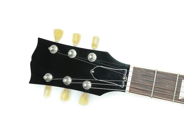 Góra gitary elektrycznej na białym tle