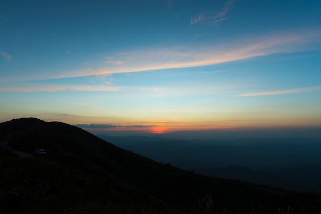 Góra tajlandia park narodowy, zmierzch