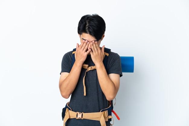 Góral chińczyk z na białym z wyrazem zmęczony i chory