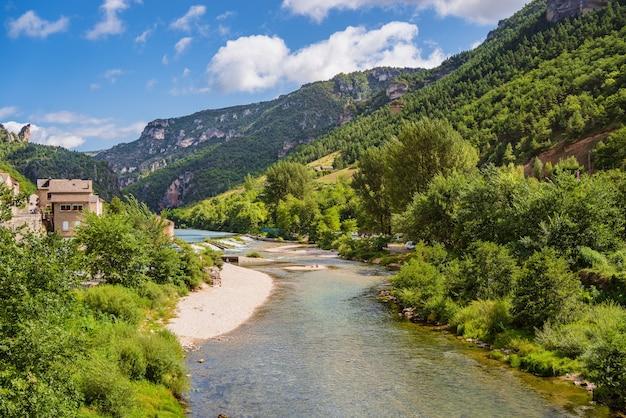 Gorges du river tarn w parc national des cevennes francja unesco biosphere reverve