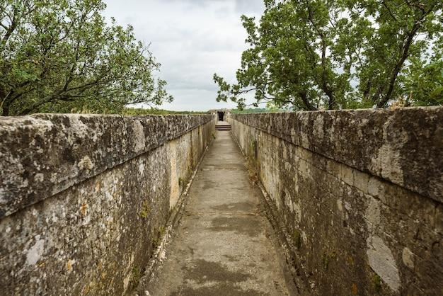 Górna część akweduktu kanał do transportu wody