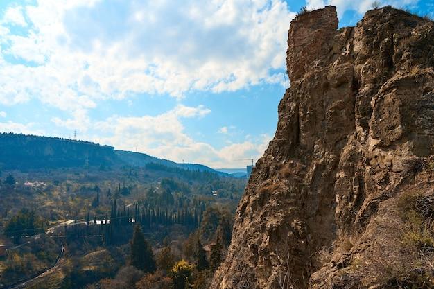 Górski krajobraz gruzji