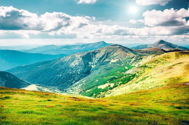Górski krajobraz jesienią