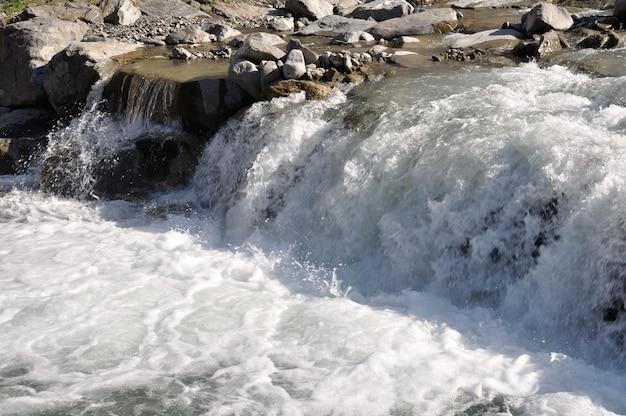 Górski potok w alpach