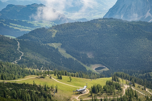 Górskie krajobrazy w austriackich alpach