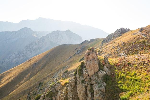Góry chimgan w pobliżu miasta tashent, uzbekistan