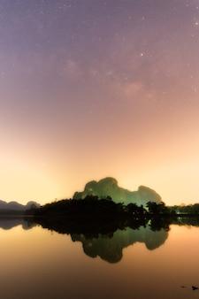 Góry drogi mlecznej nong thale krabi
