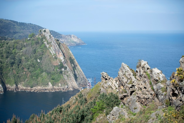 Góry i morski krajobraz