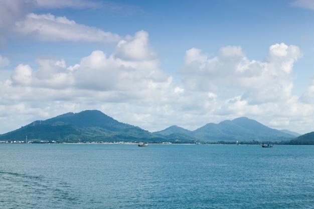 Góry, morze i niebo.