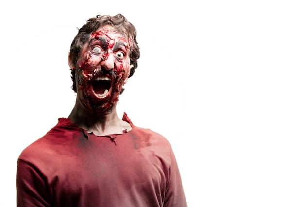 Gory przerażony zombie