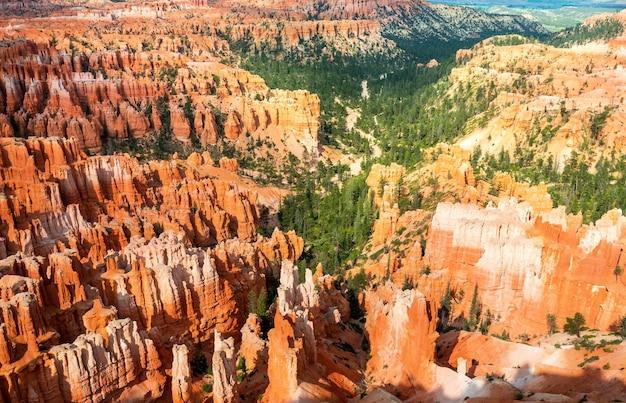Góry z piaskowca w parku narodowym bryce canyon