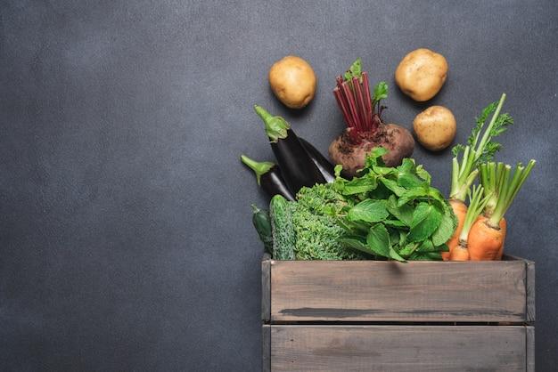 Gospodarstwo jesienne zbiory bakłażana marchew buraki ziemniaki pomidory brokuły ogórki