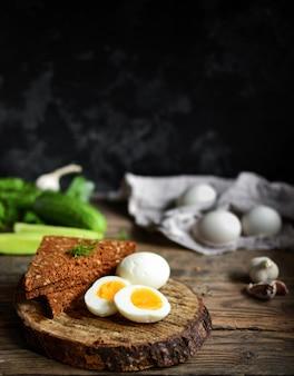 Gotowane jajka z kurczaka.