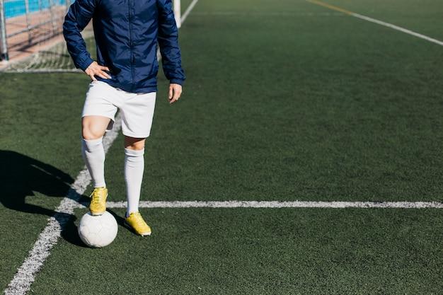 Gracz futbolu na polu