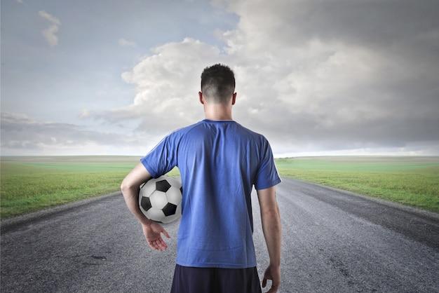 Gracz piłki nożnej w wyzwaniu