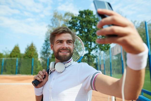 Gracz robi selfie