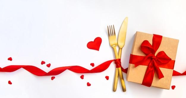 Gratulacje z okazji romantycznej kolacji walentynkowej.