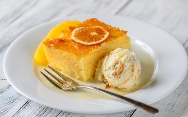 Greckie ciasto portokalopita z pomarańczy phyllo